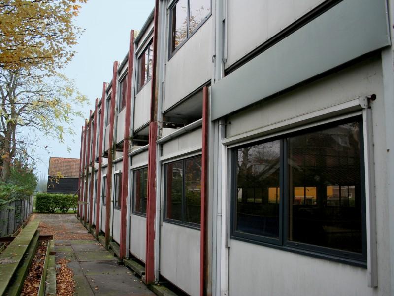 Den Hollander verhuur zorgt voor verwijderen, opslag en doorverkoop van cabins